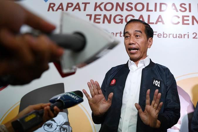 Calon presiden petahana nomor urut 01 Joko Widodo: Serangan balik dongkrak elektabilitas - ANTARA/Sigid Kurniawan