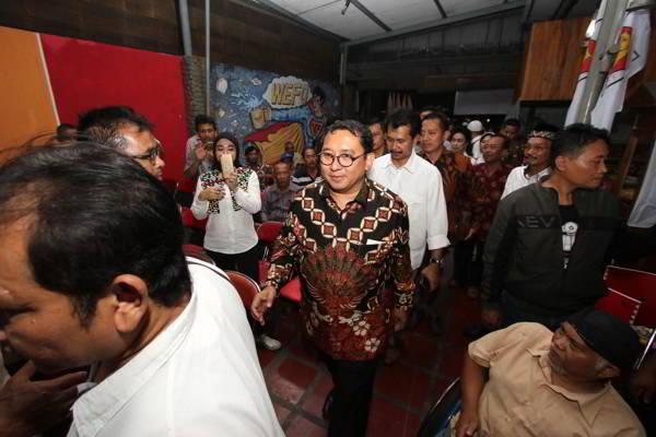 Waketum Partai Gerindra, Fadli Zon, menghadiri peresmian posko pemenangan Prabowo di Solo, Selasa (22/5 - 2018) malam. (Solopos/Nicolaus Irawan)
