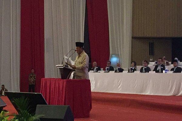 Capres nomor urut 02 Prabowo Subianto saat memberikan paparan. - Bisnis/Alif Nazzala R.
