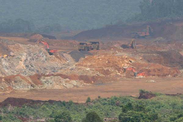 Aktifitas penambangan nikel milik PT Vale Indonesia, Tbk terlihat di Kabupaten Luwu Timur, Sulawesi Selatan. - JIBI/Paulus Tandi Bone