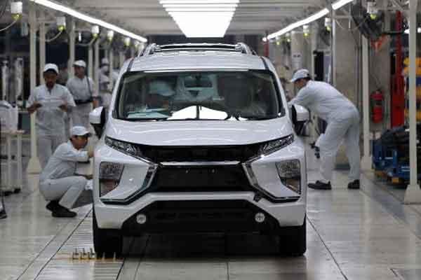 Xpander diproduksi di pabrik Mitsubishi di Greenland International Industrial Center (GIIC) Deltamas, Bekasi. - Bisnis.com