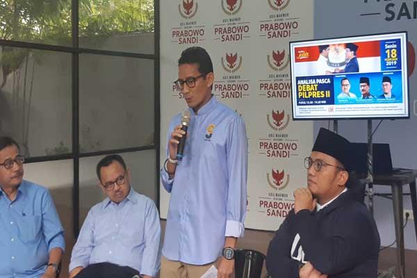 Cawapres Sandiaga Uno bersama Direktur Relawan Ferry Mursidan Baldan, Direktur Materi dan Debat Sudirman Said, dan Koordinator Juru Bicara Dahnil Anzar Simanjuntak di Media Center Prabowo-Sandi, Jakarta, Senin (18/2 - 2019).