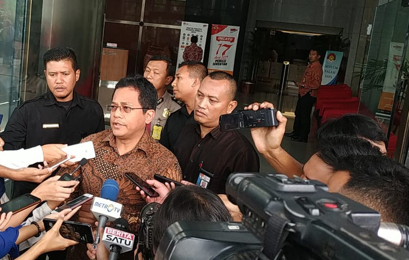 Sekjen DPR RI Indra Iskandar di KPK - Bisnis