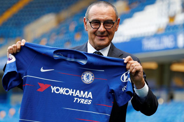 Pelatih Chelsea Maurizio Sarri - Reuters/John Sibley