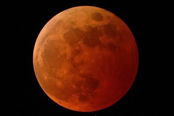 Bulan Purnama: Super snow moon lebih terang, lebih besar, dan lebih dekat ke Bumi - NASA