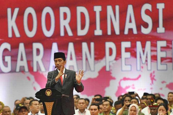 Presiden Joko Widodo memberikan pidato dalam acara Rakornas Penyelenggaraan Pemerintahan Desa 2019 di Jakarta, Rabu (20/2/2019). - ANTARA/Akbar Nugroho Gumay
