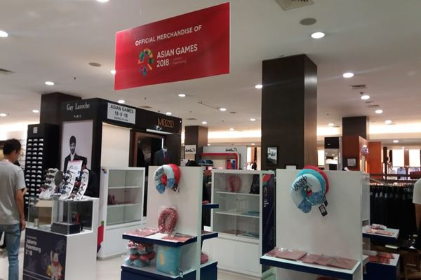 Merchandise Asian Games 2018 di Metro Plaza Senayan./JIBI/BISNIS - Nur Faizah Al Bahriyatul Baqiroh