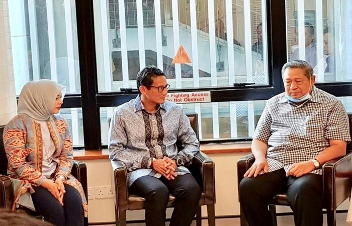 Presiden Susilo Bambang Yudhoyono (paling kanan) menerima kunjungan Calon Wakil Presiden Sandiaga Uno dan istrinya Nur Asia Uno di Singapura, Jumat (22/2/2019). - Bisnis/dok.BPN