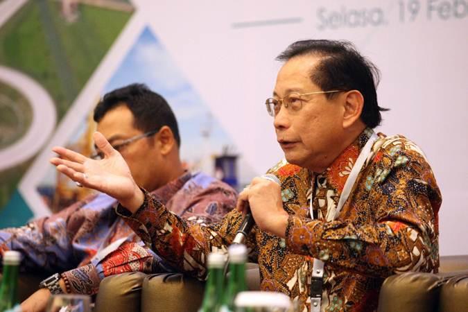 Presiden Direktur PT Bank Central Asia Tbk (BCA) Jahja Setiaatmadja berbicara pada seminar nasional Kebangkitan BUMN Sektor Infrastruktur, di Jakarta, Selasa (19/2/2019). - Bisnis/Dedi Gunawan