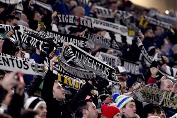 Suporter Juventus, juara Serie A Italia. - Juventus.com