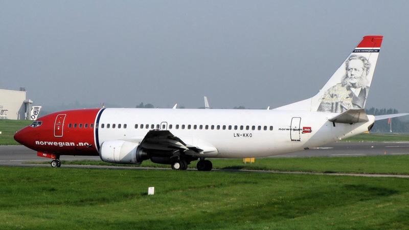 Pesawat Norwegian Air yang 'terdampar' di Bandara Internasional Shiraz Shahid Iran. Foto: thenational.ae