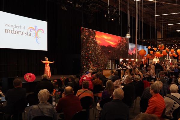 Penampilan tari Jaipong dalam acara Danish Travel Show di Herning, Denmark. - KBRI Kopenhagen