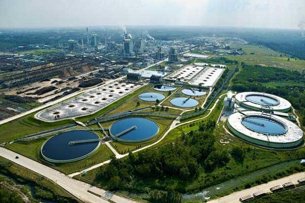 Foto aerial kawasan pabrik PT Riau Andalan Pulp and Paper (RAPP) di Pangkalan Kerinci, Riau, yang merupakan salah satu pabrik kertas terbesar di dunia. - Istimewa