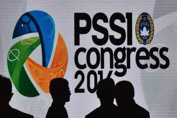 Peserta mengikuti Kongres PSSI di Jakarta, Kamis (10/11). - Antara/Wahyu Putro A