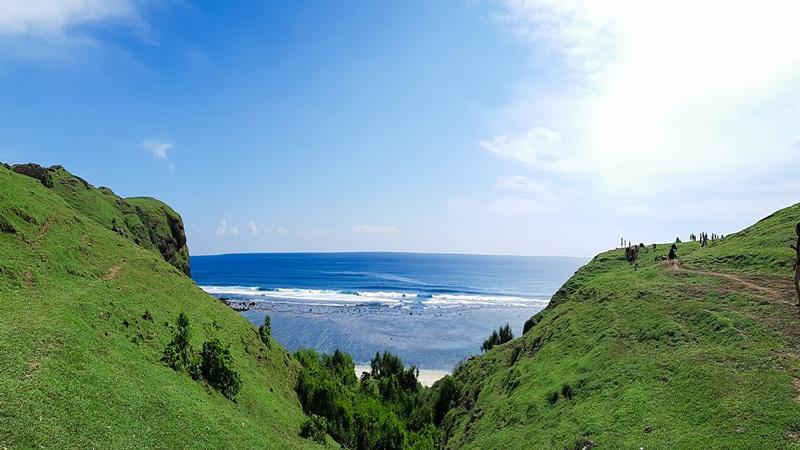 Pemandangan Pantai Tanjung Aan dari Bukit Merese. JIBI/Bisnis -  Tika Anggreni