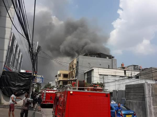 26 Unit pemadam kebakaran dikerahkan untuk memadamkan api - @DMCDompetDhuafa