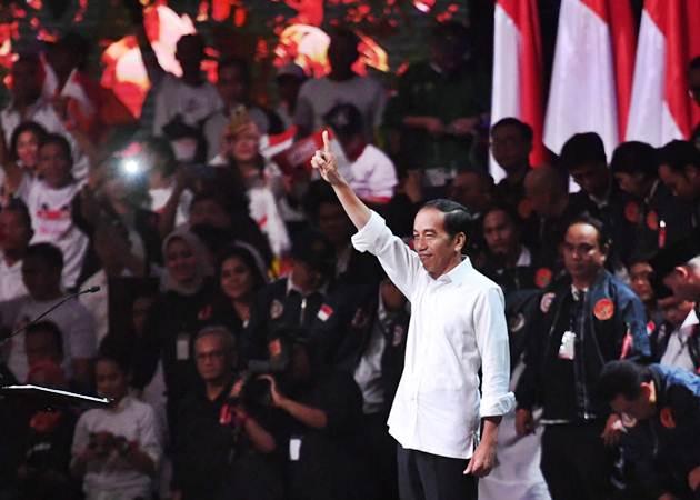 Capres nomor urut 01 Joko Widodo saat menghadiri acara Konvensi Rakyat di Sentul, Bogor, Jawa Barat, Minggu (24/2/2019). BPN meminta Jokowi cuti sebagai presiden. - ANTARA/Akbar Nugroho Gumay