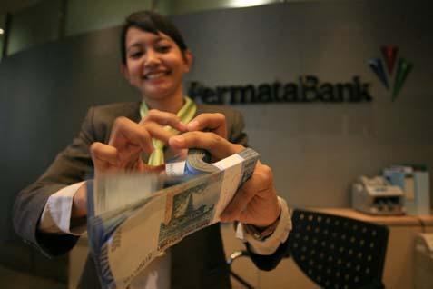 Bank Permata merupakan perusahaan joint venture antara PT Astra International Tbk. dan Standard Chartered.