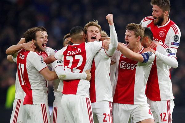 Ajax Amsterdam - Reuters/Wolfgang Rattay
