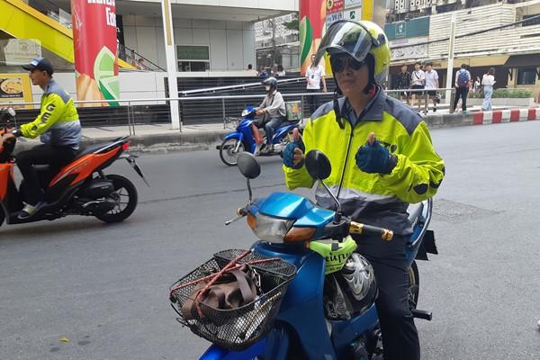 Mitra pengemudi Get, anak usaha Gojek yang beroperasi di Thailand. - Bisnis/Annisa Sulistyo Rini