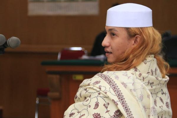 Bahar bin Smith menjalani sidang kasus penganiayaan di Pengadilan Negeri Bandung, Kamis (28//2/2019). Bahar didakwa pasar berlapis oleh Jaksa Penuntut Umum - Bisnis/Dea Andriyawan