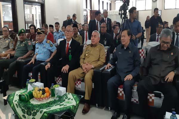 Gubernur Provinsi Kalimantan Timur Isran Noor dan Kepala Pengadilan Tinggi Kalimantan Timur Sutoyo