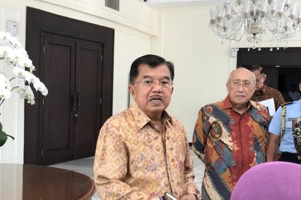 Wakil Presiden Jusuf Kalla (kiri) - Antara