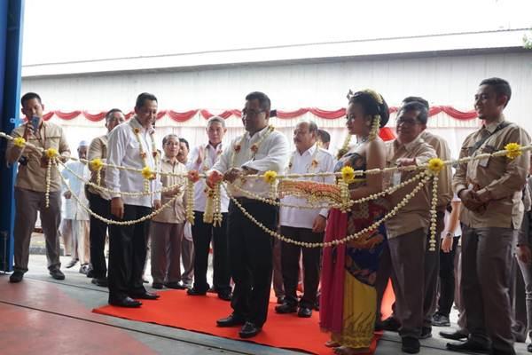 Direktur Utama Perum BULOG, Budi Waseso saat meresmikan gudang Bulog di Pati Jawa Tengah (ist)9
