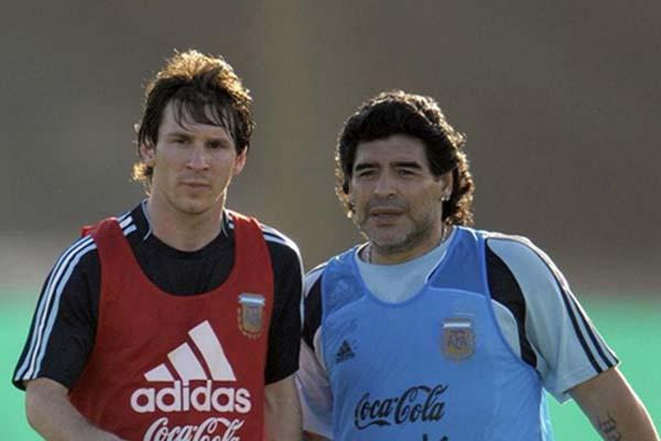 Diego Maradona (kanan) dan Lionel Messi - The Daily Star