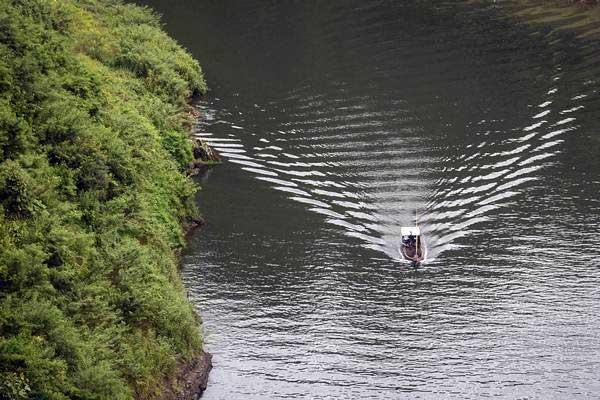 Ilustrasi: Sungai Citarum di kawasan Rajamandala, Kabupaten Bandung Barat, Jawa Barat, Senin (15/1). - ANTARA/Raisan Al Farisi