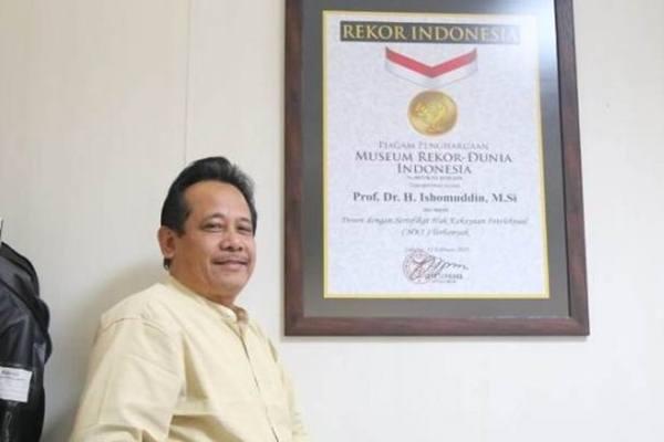 Profesor Dr Ishomudin, pemecah rekor MURI sebagai pemilik HKI terbanyak di Indoensia - Antara