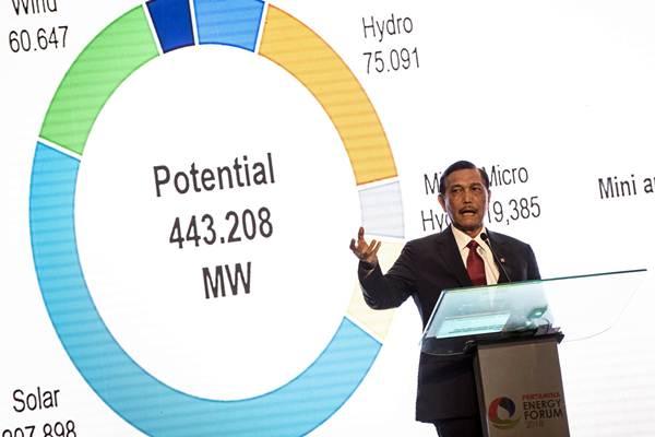 Menko Kemaritiman Luhut Panjaitan menjadi pembicara dalam acara Pertamina Energy Forum (PEF) 2018 di Jakarta, Kamis (29/11/2018). - ANTARA/Aprillio Akbar