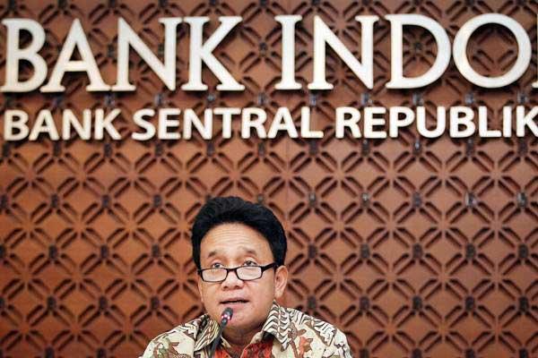 Deputi Gubernur Senior Bank Indonesia Mirza Adityaswara menyampaikan keterangan pers, di Jakarta, Selasa (23/10/2018). - ANTARA/Dhemas Reviyanto