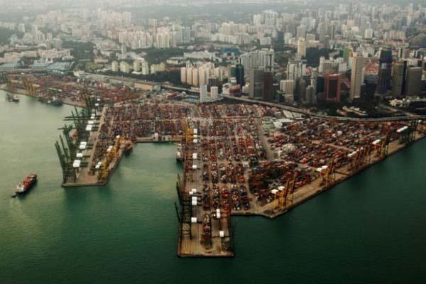 Pelabuhan Singapura - Reuters/Edgar Su