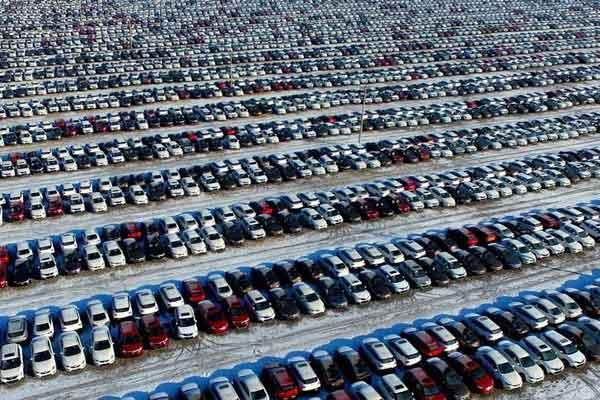 Ilustrasi 0 Populasi mobil listrik terus meningkat.  - Reuters