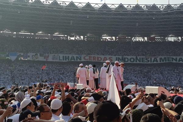 Suasana kampanye akbar Prabowo-Sandiaga di Stadion GBK, Senayan, Jakarta, Minggu (7/4/2019) - Feni Freycinetia
