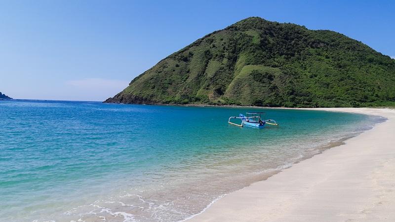 Pesona Pantai Wawun di Lombok Nusa Tenggara Barat (NTB) yang tenang dan teduh. JIBI/Bisnis - Tika Anggreni