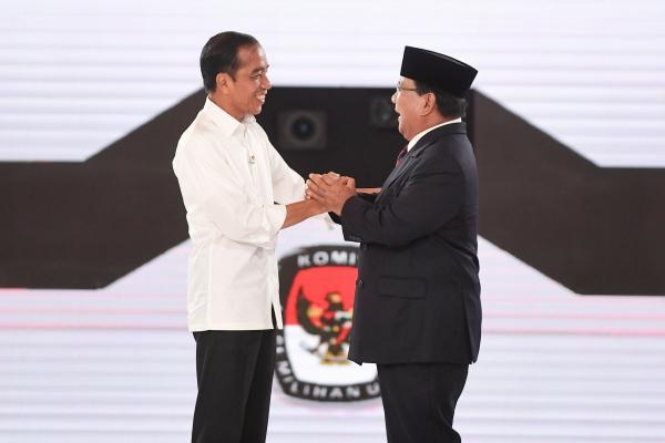 Capres nomor urut 01 Joko Widodo dan capres nomor urut 02 Prabowo Subianto/ANTARA FOTO - Hafidz Mubarak A