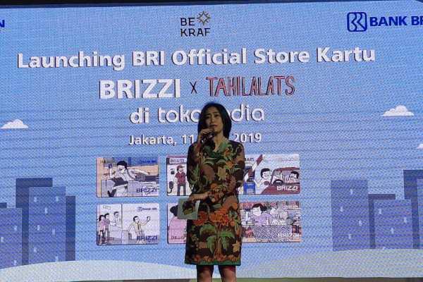 Direktur Konsumer PT Bank Rakyat Indonesia (Persero) Tbk. Handayani saat meluncurkan official store BRI di platform Tokopedia. Di platform tersebut, BRI menawarkan uang elektronik edisi khusus komik Tahilalats. (Bisnis - Ipak Ayu H. N.)
