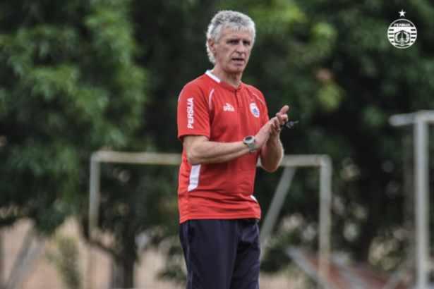 Pelatih Persija Ivan Kolev - Antara