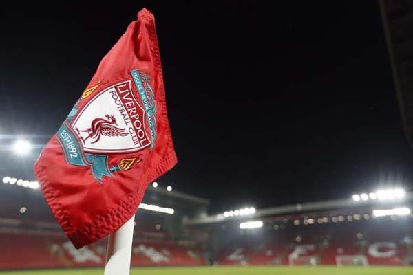 Bendera Liverpool - Reuters/Carl Recine