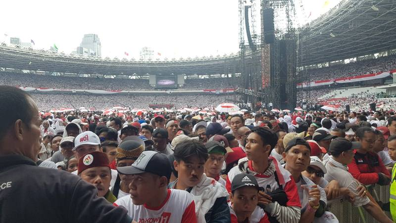 Massa kampanye akbar Jokowi-Ma'ruf Amin di Gelora Bung Karno, Sabtu (13/4/2019). JIBI/Bisnis - Lalu Rahadian