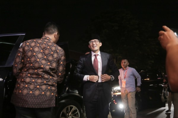 Calon wakil presiden nomor urut 02 Sandiaga Uno tiba di lokasi debat putaran terakhir jelang Pemilihan Presiden 2019 di Hotel Sultan, Jakarta, Sabtu (13/4/2019). - JIBI/Felix Jody Kinarwan
