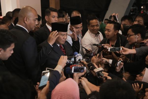 DEBAT PILPRES Capres nomor urut 02 Prabowo Subianto meninggalkan ruangan usai mengikuti debat Pilpres putaran terakhir di Jakarta, Sabtu (13/4/2019)/JIBI - Bisnis/Felix Jody Kinarwan