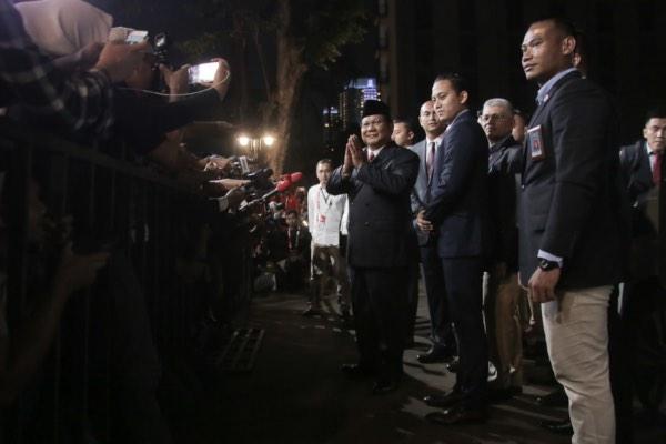 Calon presiden nomor urut 02 Prabowo Subianto tiba di lokasi debat putaran terakhir jelang Pemilihan Presiden 2019 di Hotel Sultan, Jakarta, Sabtu (13/4/2019). - JIBI/Felix Jody Kinarwand