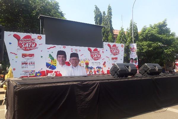 Spanduk Jokowi - Ma'ruf Amin di pawai Bersatu Tangerang - Mia Chitra Dinisari