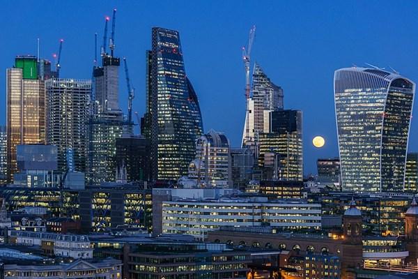 Suasana Kota London - Istimewa