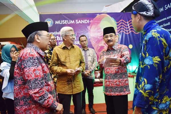 Wakil Gubernur Sumsel MAwardi Yahya (kedua kiri) saat menghadiri HUT Taman Mini Indonesia Indah dan Expo Nusantara 2019 - Istimewa