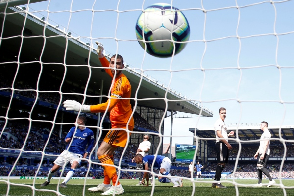 Hasil Liga Inggris Everton Taklukkan Manchester United Empat Gol Tanpa Balas Bola Bisnis Com
