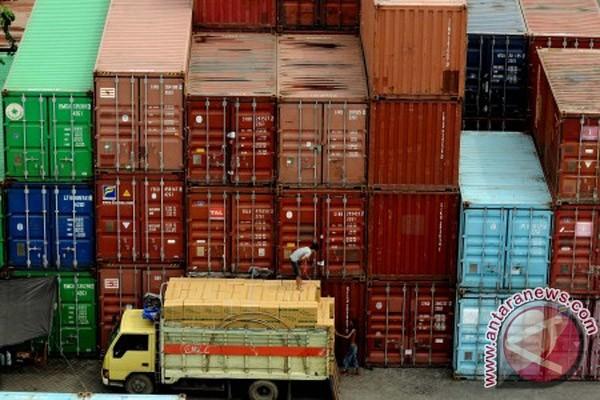 Ilustrasi aktivitas pelabuhan.
